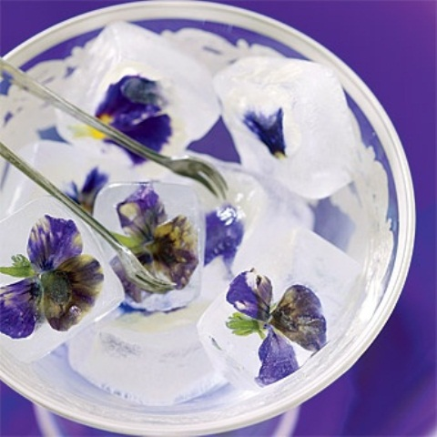 edible-flower-ideas-for-your-wedding-table-11